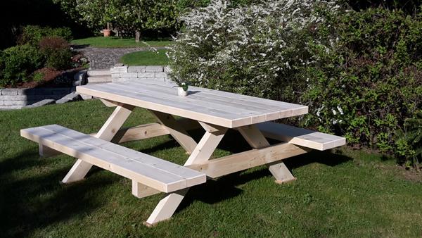 rustikale gartenm bel brennholzhandel und spaltservice. Black Bedroom Furniture Sets. Home Design Ideas